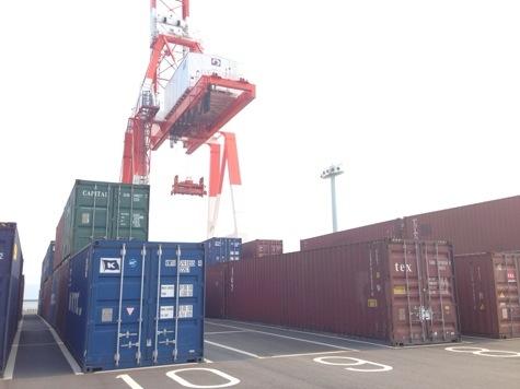 熊本港 コンテナヤード