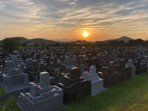 市営墓地からの夕陽。