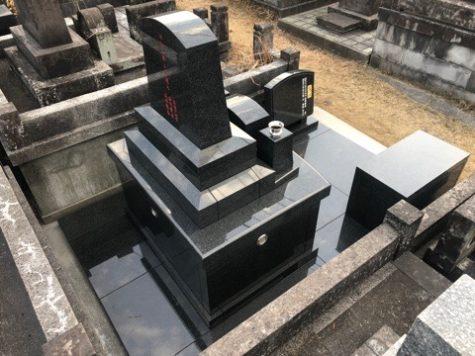 奥行きの長ーい墓地