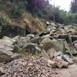 馬門石の山